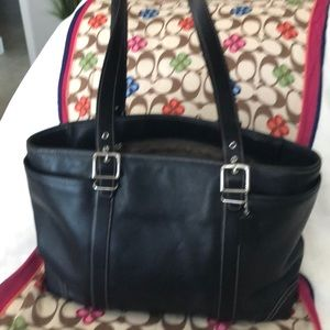 Sensational Large all leather Coach tote